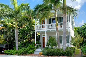Double Porches Of Bella Grande On Margaret St Key West Miami Houses Home Building Design Cottage Style Homes