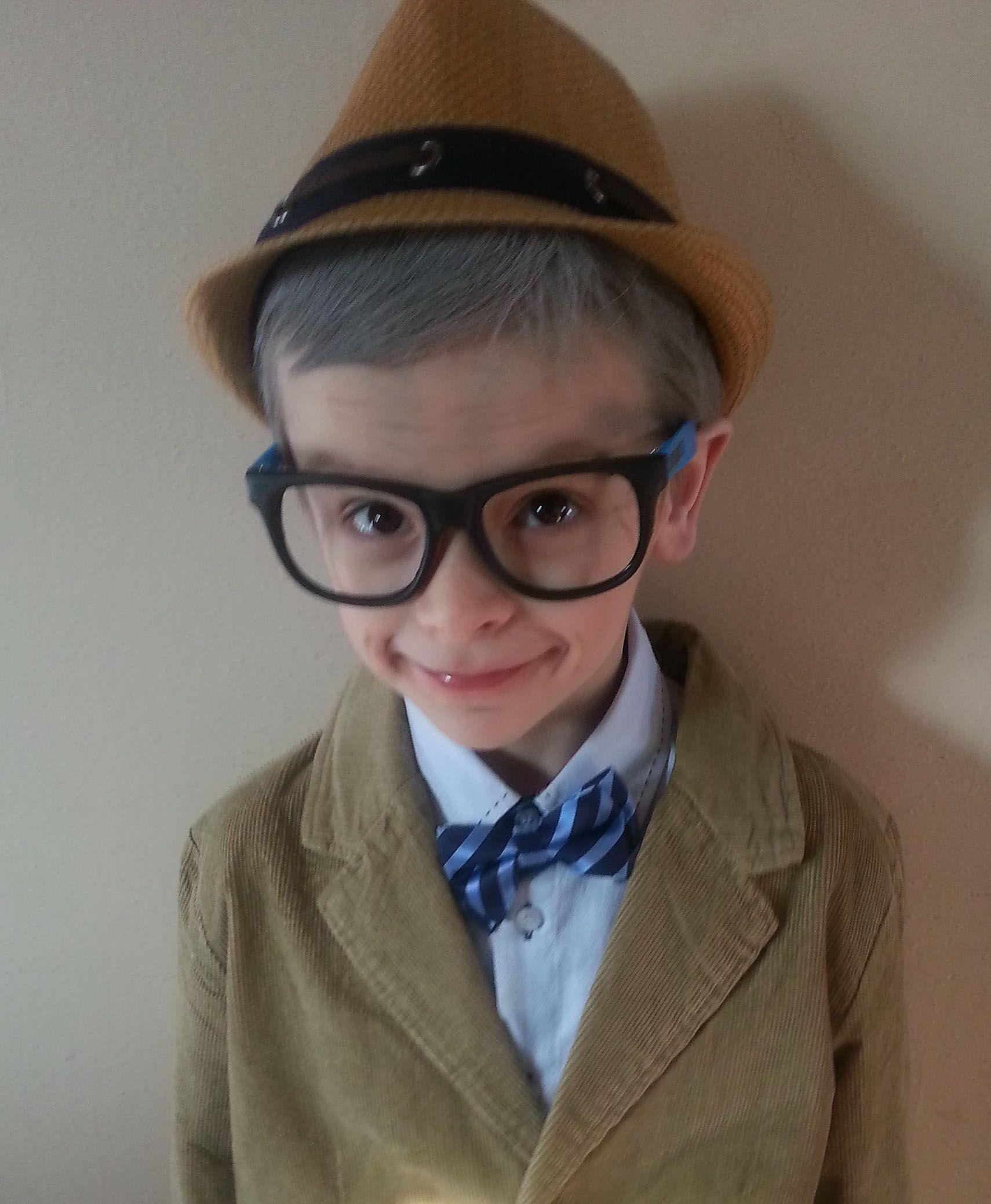 6yo dressed as a 99yo. From Reddit.com