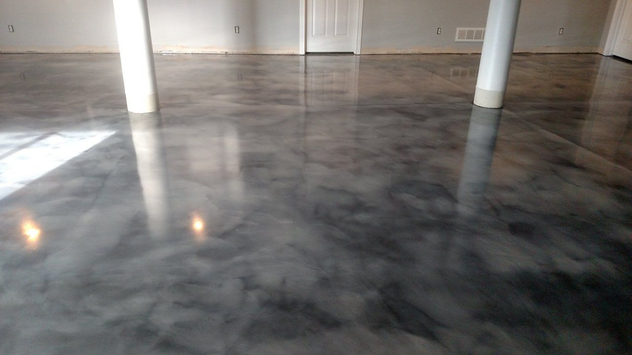 Grey and White Metallic Epoxy Marble Stains in Florence