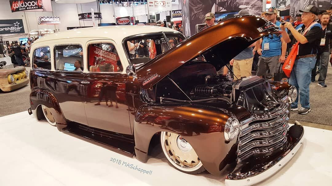 Sema Show 2018 Las Vegas Nevada Photo By Maschappell 1948 Chevrolet Suburban Rusto Mod Www Carcruiseguide Com Chevrolet Suburban Chevy Suburban Suburban
