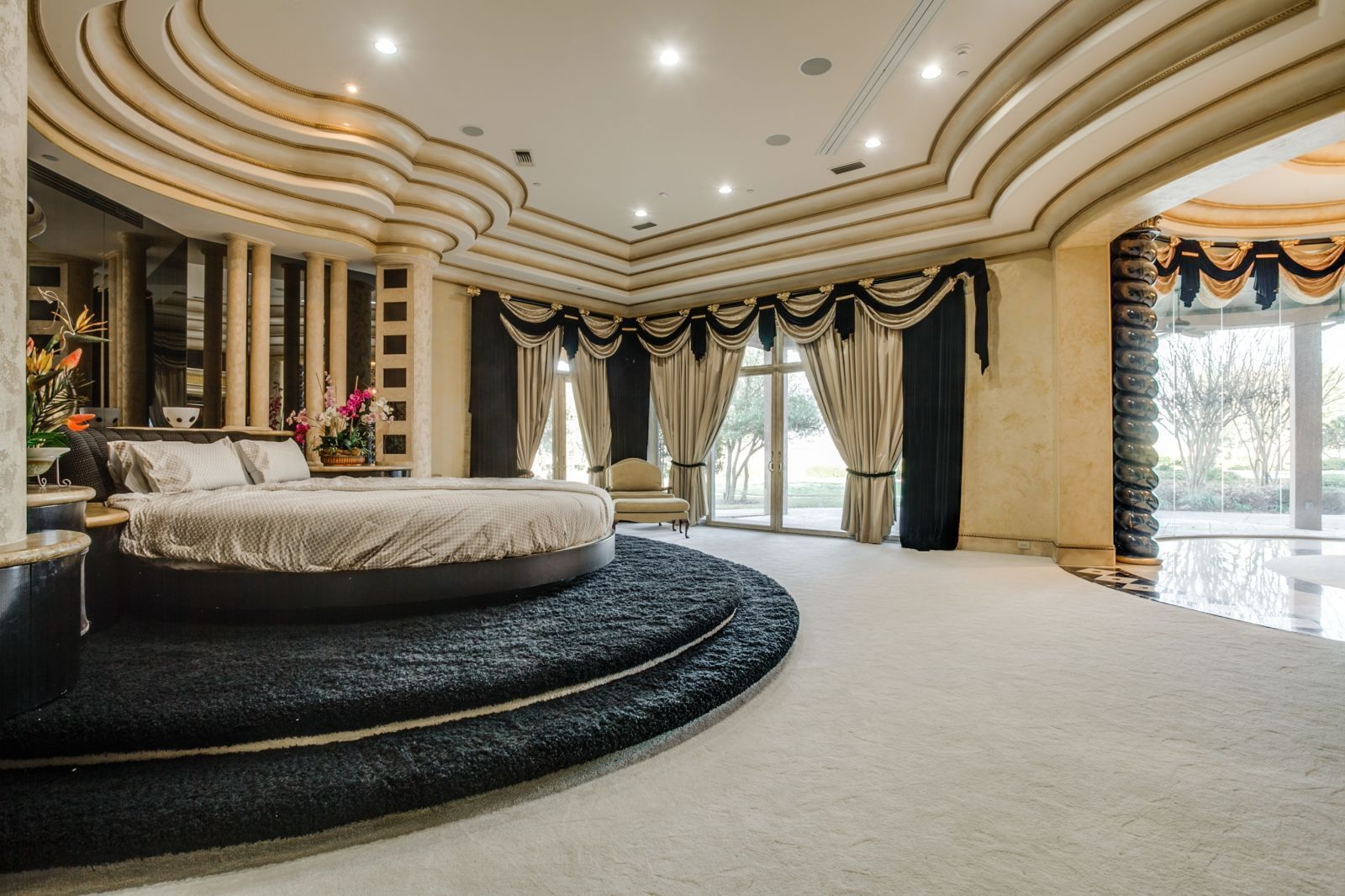 There S A Football Field Inside This Texas Mansion Luxury Bedroom Master Luxurious Bedrooms Luxury Bedroom Design