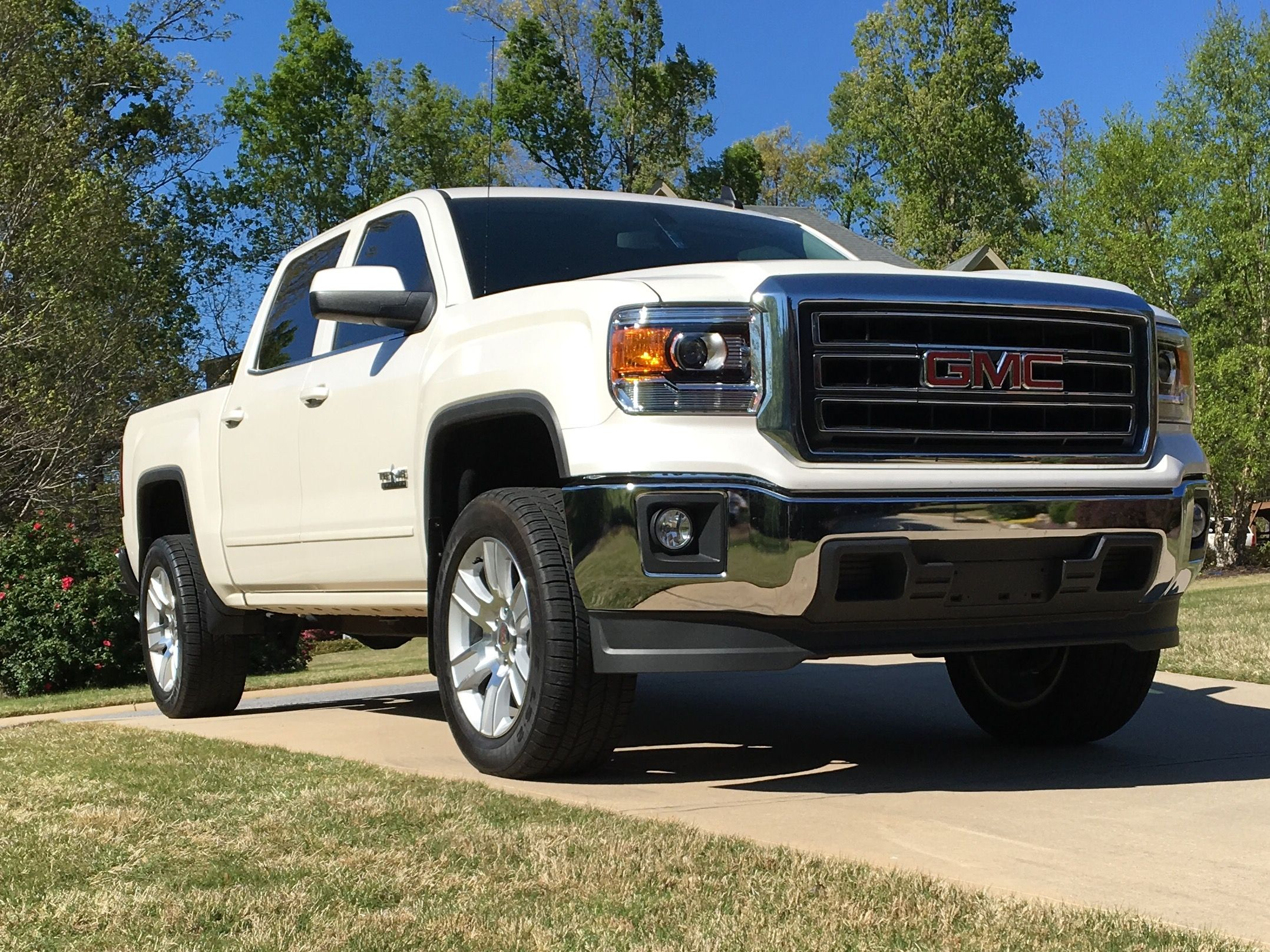 2015 gmc sierra texas edition 2 leveling kit and 1 wheel spacers really cool things. Black Bedroom Furniture Sets. Home Design Ideas