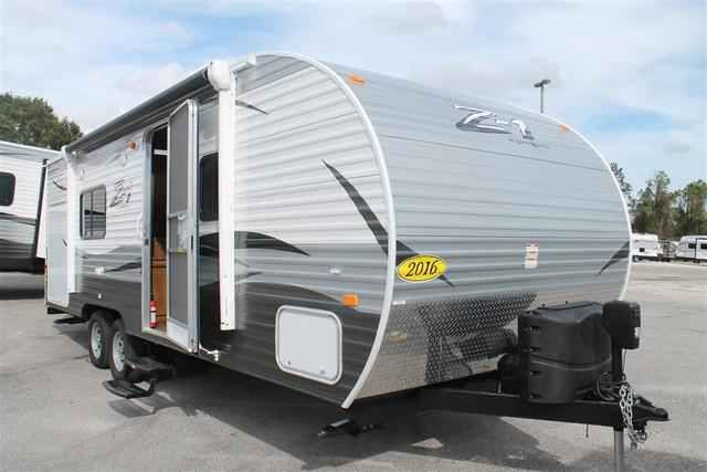 2016 New Crossroads Z-1 231FB Travel Trailer in Florida FL.Recreational Vehicle, rv, 2016 Crossroads Z-1231FB, 6 Gallon Gas/Elec DSI Water Heater, Decor- Cobblestone, Electric Awning, LP Bottle Cover, Outside Shower, Power Tongue Jack, Range w/Oven, RVIA Seal, Skylight in Kitchen/Living Room, Skylight Over Tub, Spare Tire & Carrier, Winterization, Z1 Convenience Package,