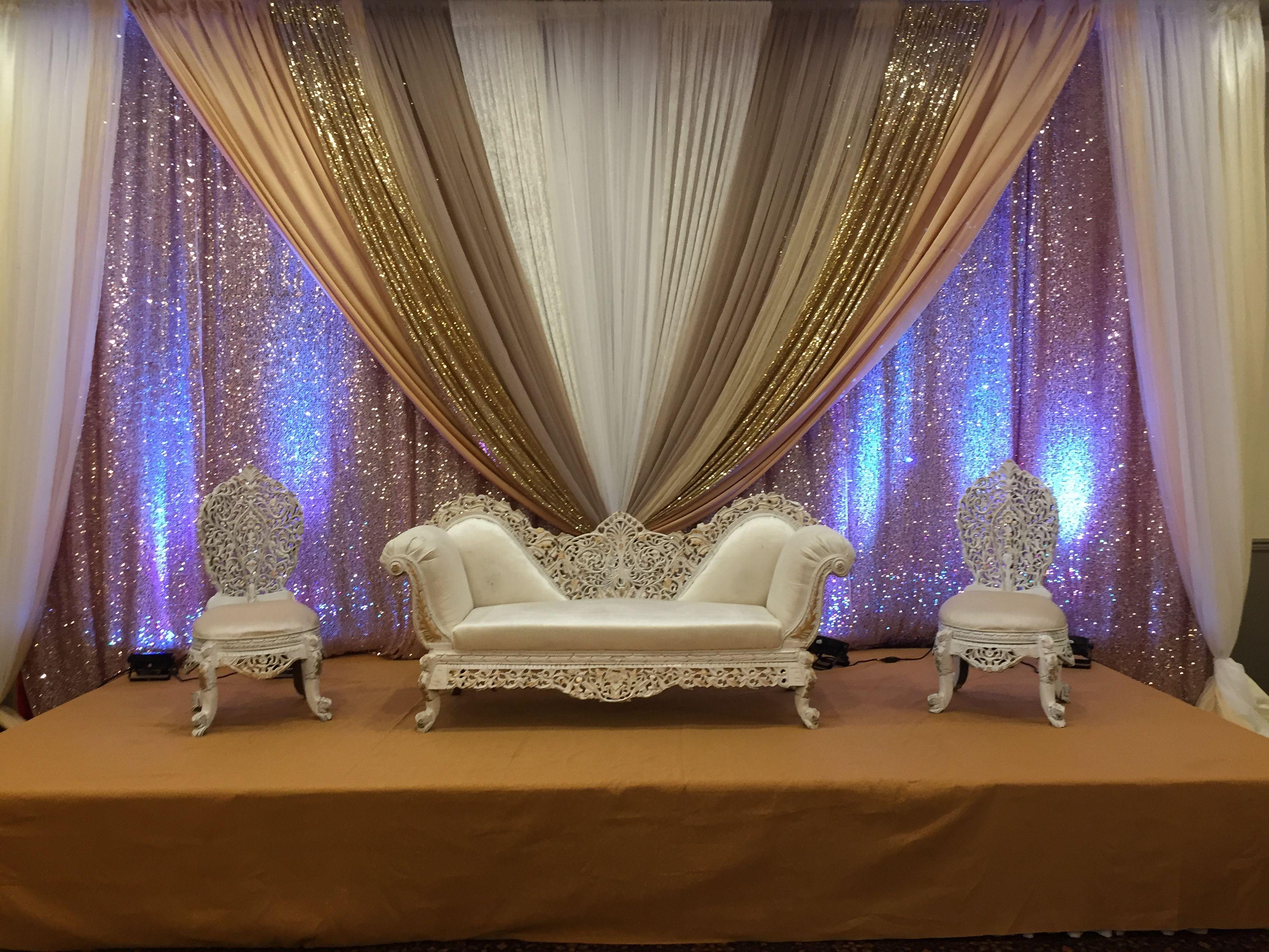 Pin By Alma Medina On Backdrops Rose Gold Wedding Decor Wedding Backdrop Decorations Wedding Stage Decorations