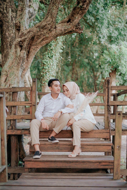 Simple Prewedding Of Lia And Adi Pre Wedding Couple Photos Couples