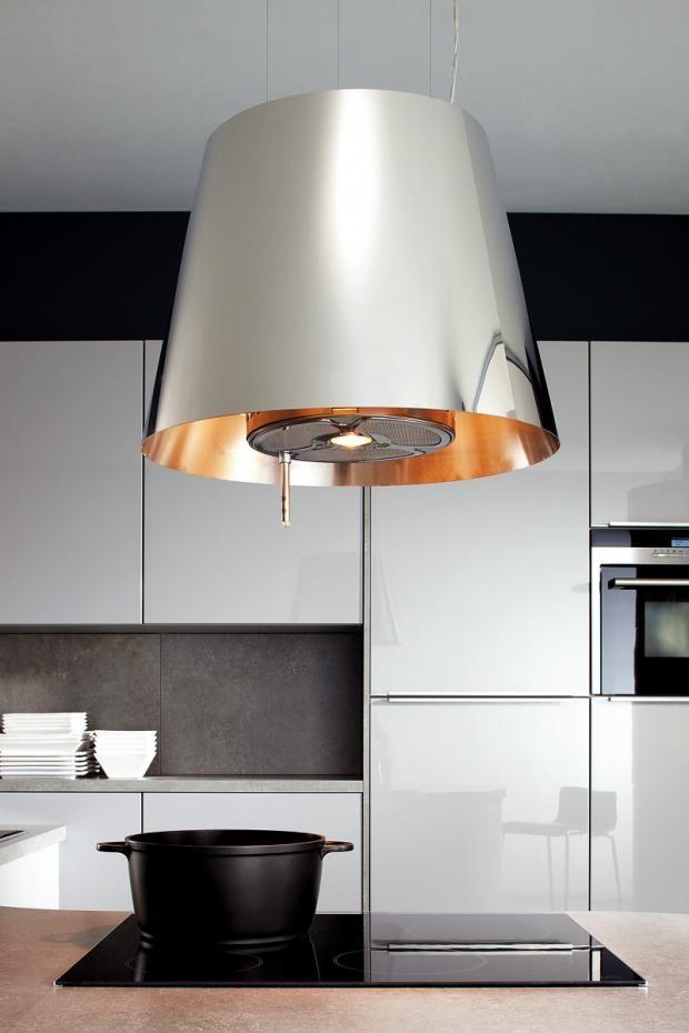 einrichtungsideen f r die wohnk che eine dunstabzugshaube die gleichzeitig leuchte ist. Black Bedroom Furniture Sets. Home Design Ideas