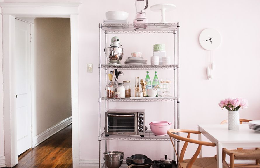 How to Style Wire Shelves for a Living Space or Kitchen // styling by @Alaina Marie Kaczmarski // kitchen styling // shelving // storage // photography by Jennifer Kathryn