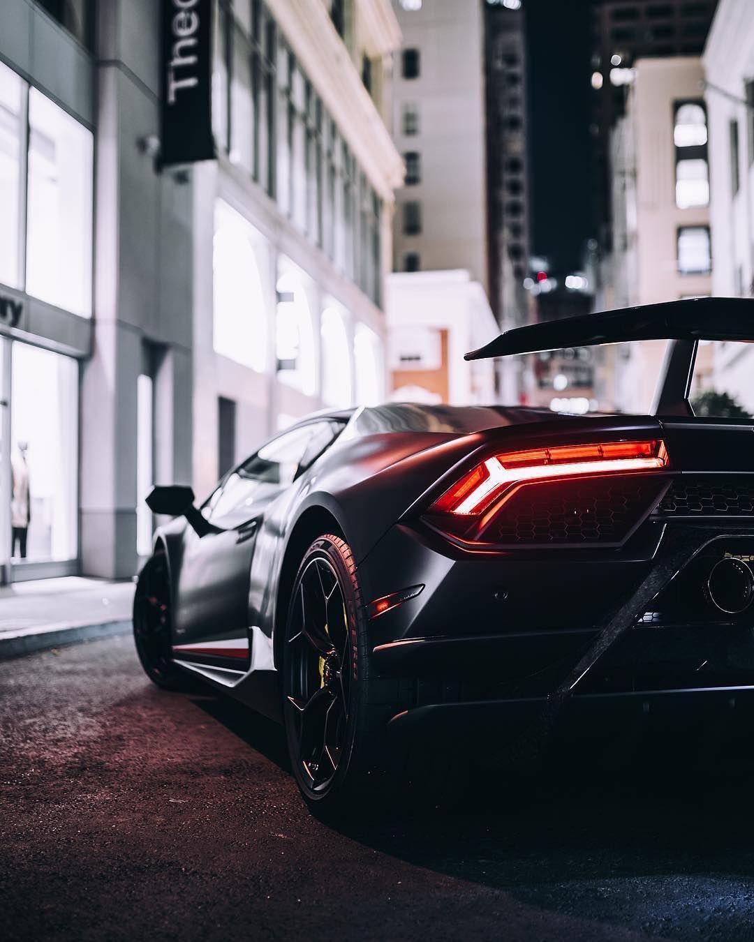 Batmobile Lamborghini Huracan Performante Huracanperformante Huracantalk Auto Hintergründe Schnellstes Auto Der Welt Luxusautos