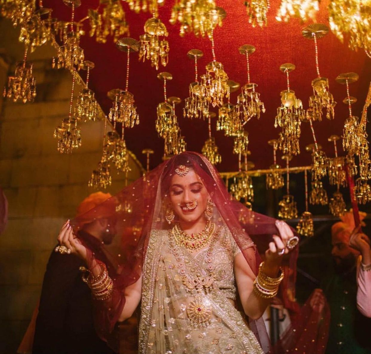 Pin By Kushboo Gujral On Wedding Dresses Bride Entry Wedding Trends Indian Wedding