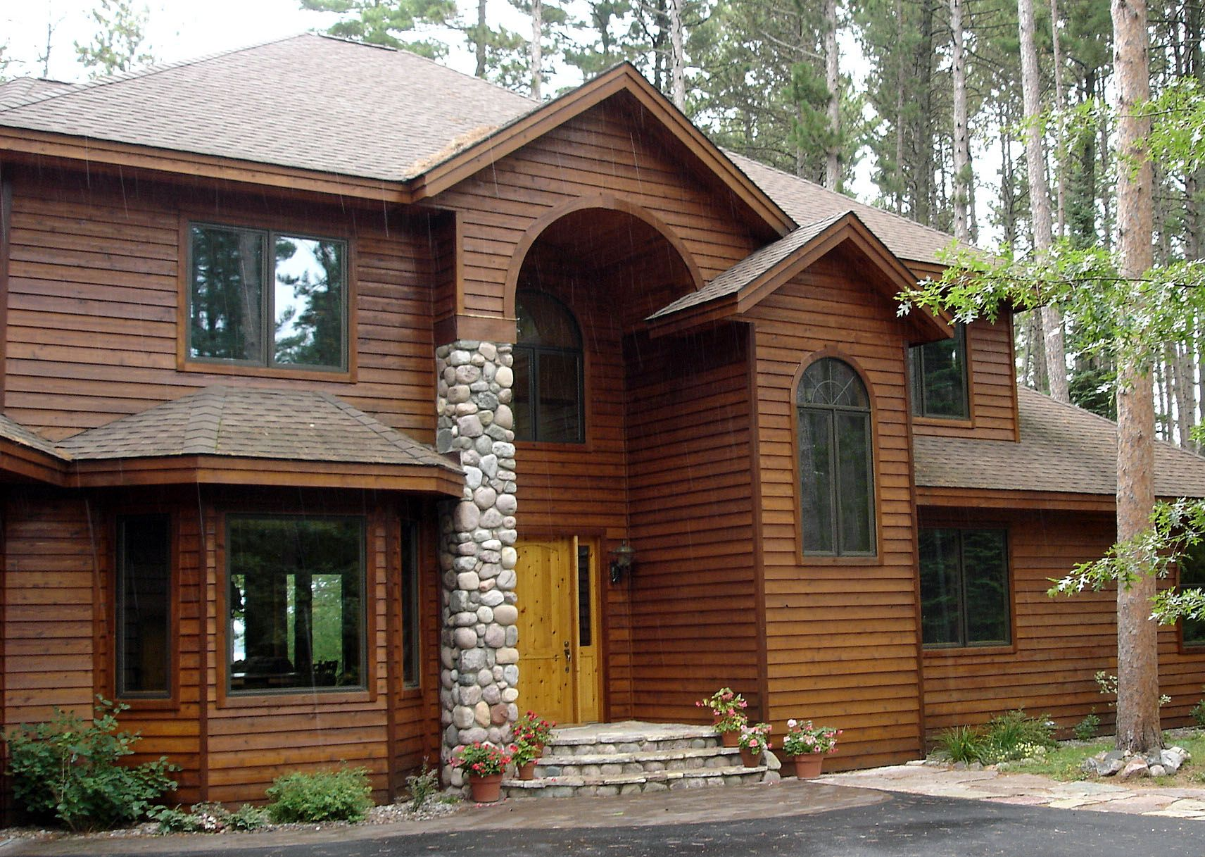 5 4 8 Tight Knot Cedar Rabbeted Bevel Sikkens 005 Natural Oak 072 Butternut Stone Houses House Exterior Cedar Siding