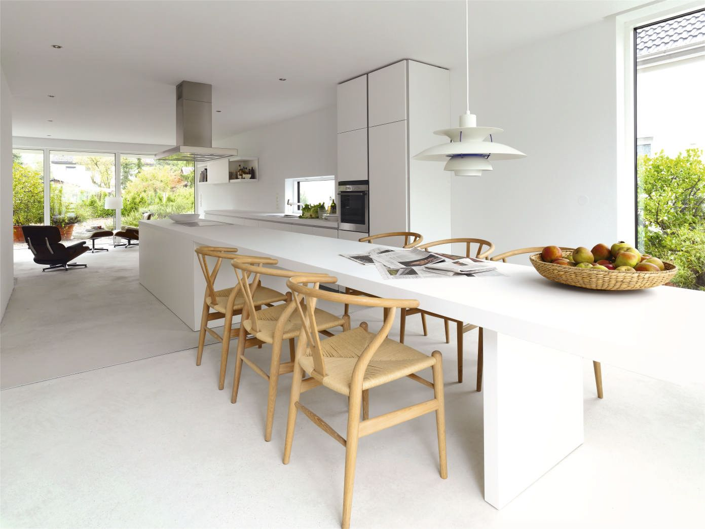 bulthaup b1 kitchen island in white has been extended into a table bulthaup b1 kitchen island in white has been extended into a table that seats 6