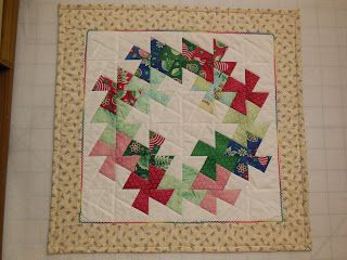 Mistress Of Quilts Twisted Xmas Wreath Quilt Twister Quilts Pinwheel Quilt Pattern Christmas Quilts