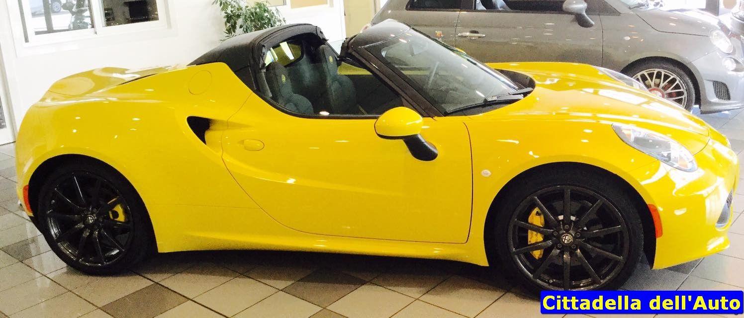 Alfa Romeo 4C SPIDER - 1.8 TURBO Benzina 240 cv - km 250 -  - immatricolata Aprile 2016 - colore Giallo Racing - Full Optional/cambio automatico/Pack Sport. Da noi Euro 83.000 oltre a passaggio di proprietà.  m.vecchio@ghinzanigroup.it 392/8324821 d.rondi@ghinzanigroup.it - 347/2925074 Per questa e numerose altre proposte, visitateci sul nostro sito: www.cittadelladellauto.it