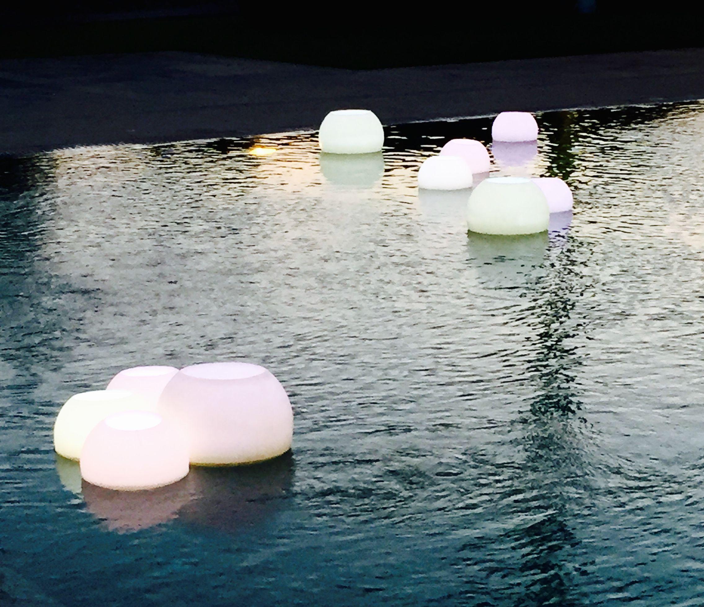 tolle Kerzenbowls mit LED-Beleuchtung verleihen jedem Pool die ...