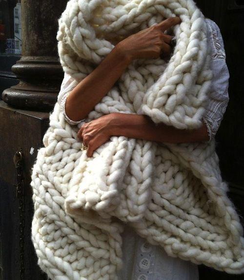 pingl par fanny meziere sur hiver pinterest tricot laine et couverture. Black Bedroom Furniture Sets. Home Design Ideas