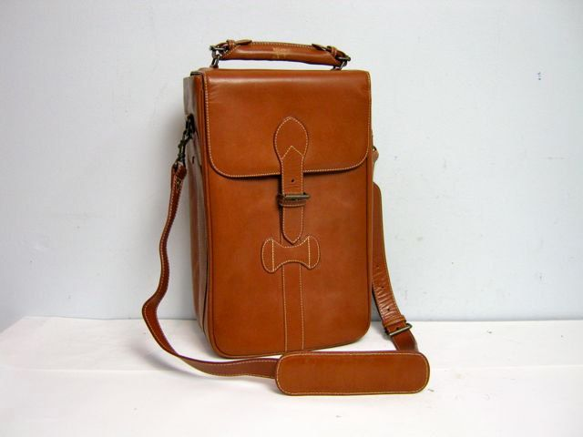 vintage 70s large leather satchel camera bag