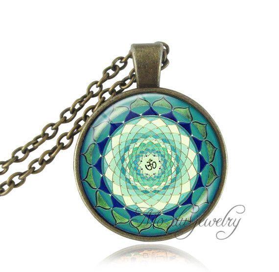 Yin Yang Necklace Pendant Tree Green Buddhist Silver Chain Glass
