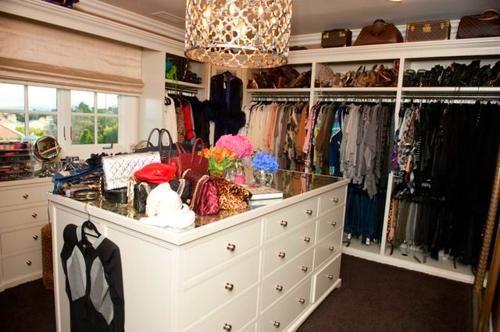 Khloe Kardashian House #khloekardashianhouse I love decorating!  Love Khloe Kardasian...and Love her closet. #khloekardashianhouse