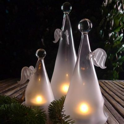 Casarialto Angels, Wonderful delicate and sophisticated angels glass lanterns. http://www.casarialto.it/lighting-elements/