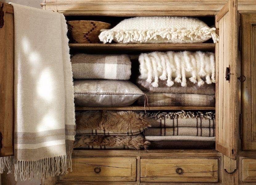 pin von moment s auf kuscheldecken und kissen pinterest haus h tte und gem tlich. Black Bedroom Furniture Sets. Home Design Ideas
