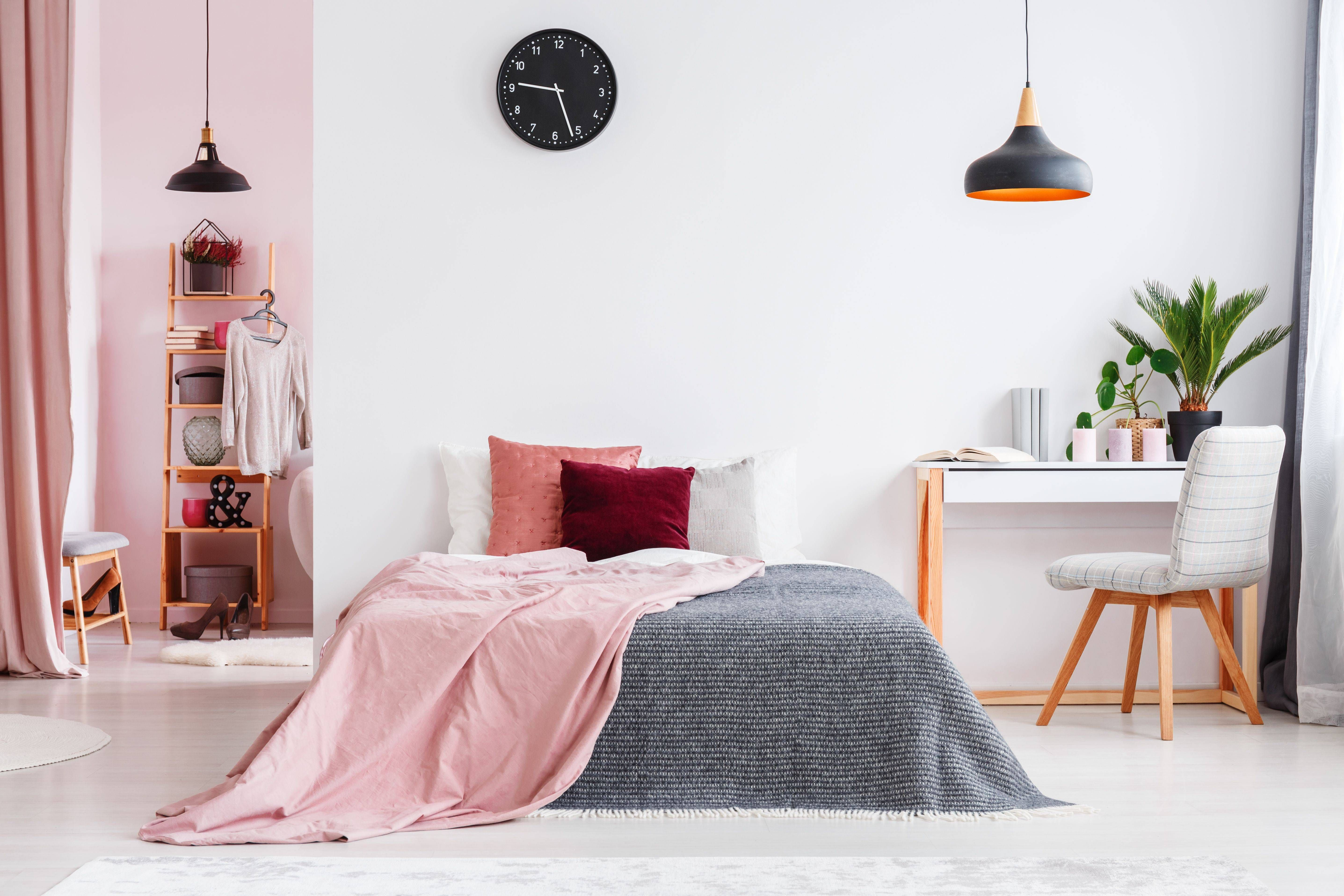 What Color Carpet Goes with Pink Walls Adult bedroom
