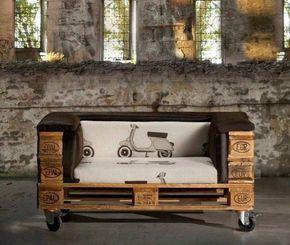 canapé en palette de bois rembouré à roulettes