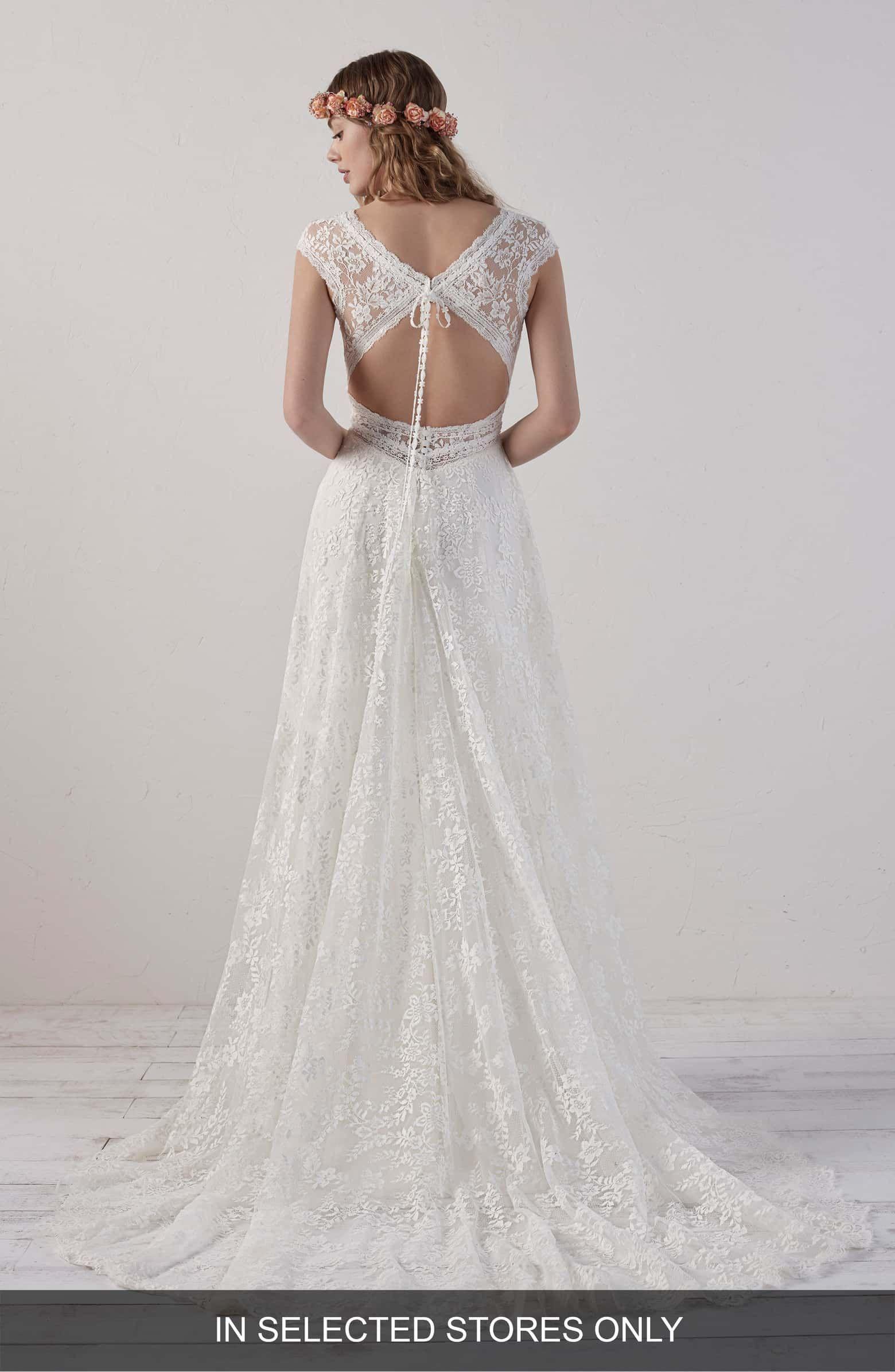 8469d21841d Ederne Boho Keyhole Back Lace Gown
