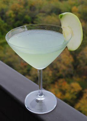 """Яблочный мартини (""""appletini"""")"""