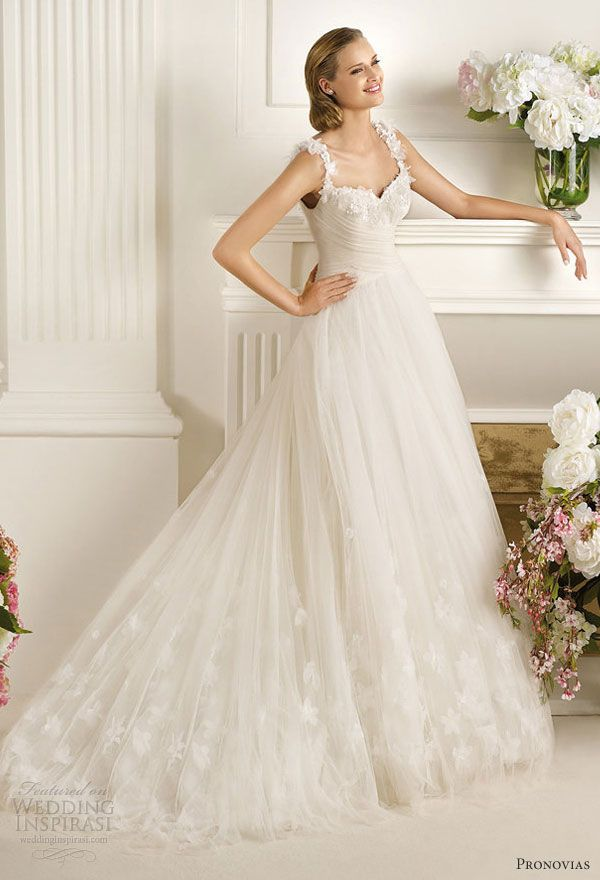 Pronovias Dirlan Wedding Dress With Straps Such A Princess Gown