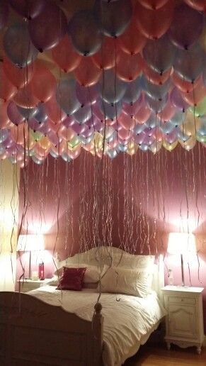 Birthday balloon surprise pinteres for Bed decoration anniversary