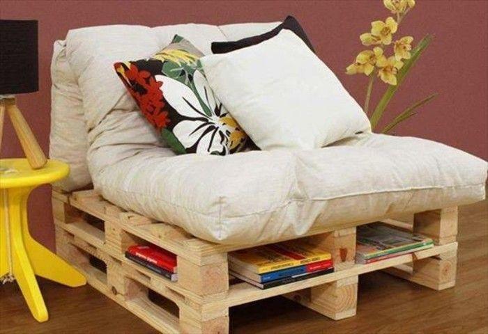 Piccolo divano ~ Arredamento con un bancale di legno piccolo divano con morbida