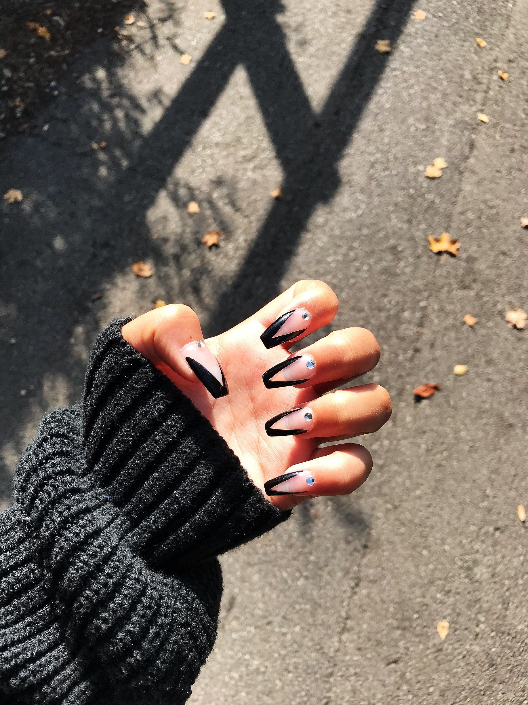 Black French V Tip Acrylic Nails Coffin Coffin Nails Designs Black Nails Black French Tips