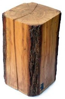 Quadratischer Baumstamm Hocker #baumstamm #hocker #couchtisch #deko #ideen