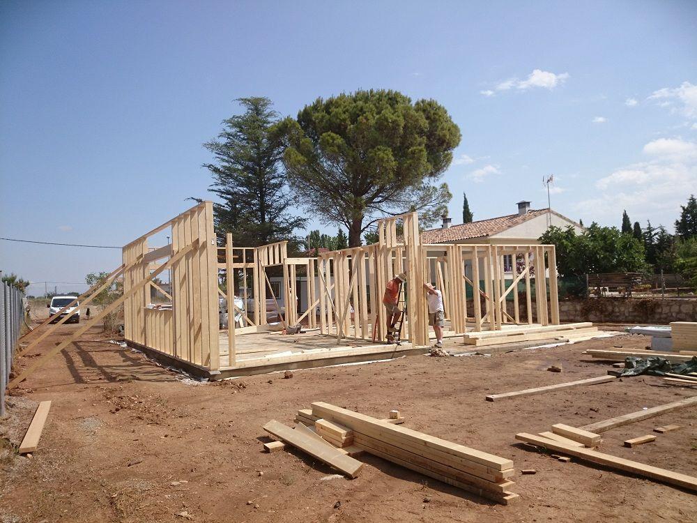 montaje estructura de madera en vivienda grupo kuusamo en san mateo de gllego zaragoza