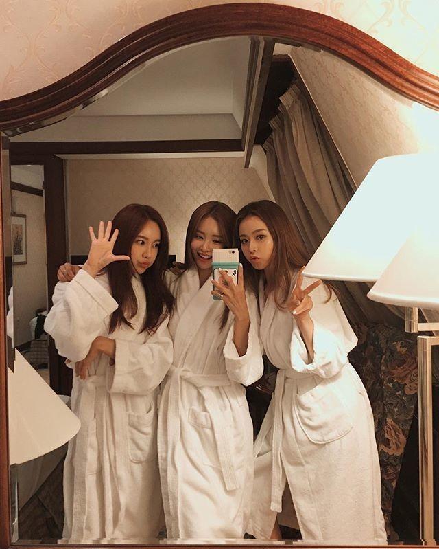 Pin by ᴜʟzzᴀɴɢ ♡ on ~ friends ~ | Pinterest | Ulzzang, Korean ...