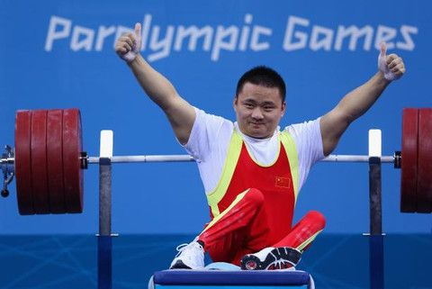 Paralympic Athlete Sets Raw Bench Press Record 498 Lbs Powerlifting Paralympic Athletes Paralympics
