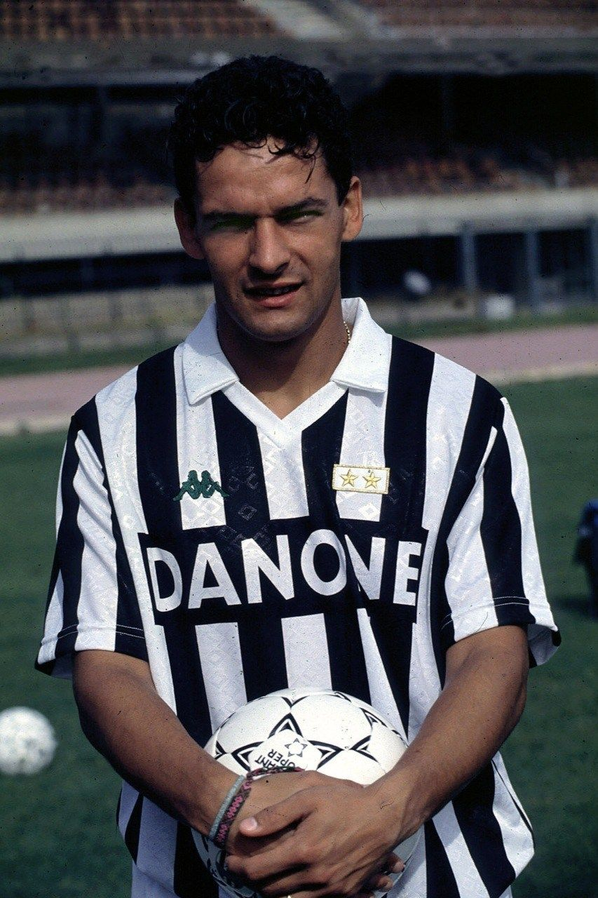 Roberto Baggio His Italian Diary 100 Vintage Photos Goalden Times Legends Football Roberto Baggio Football Players