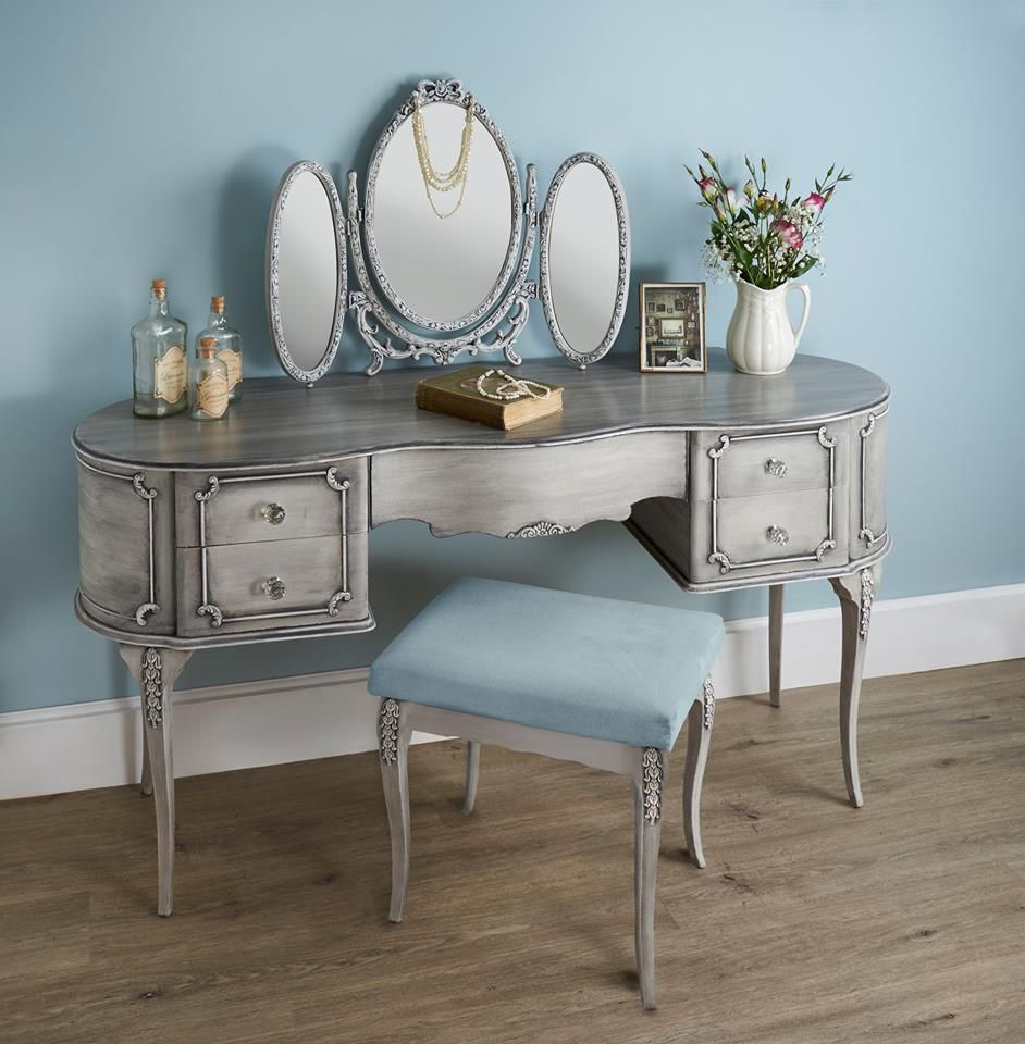 Painted Dressing Table ~ Pretty vanity dressing table painted in frenchic