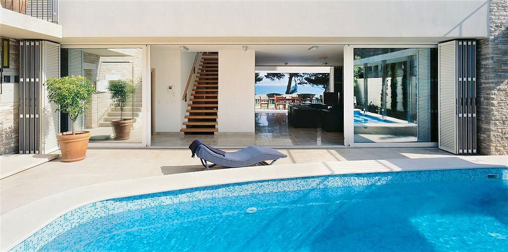 Exclusive large villa with swimming pool on Bol, island