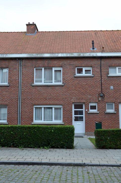 Huis van 2 gevels  te koop te Ieper voor 999.999.999 € - (5920915)