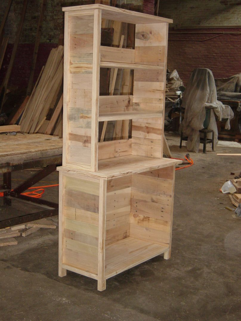Reclaimed Pallet Projects | DIY Reclaimed Wood Dresser Plans Built In Desk  Designs Plans .