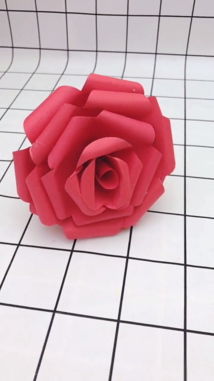 11 Diy Paper Flower Tutorials And Templates You Can Make At Home Video In 2020 Paper Flowers Paper Flower Tutorial Paper Flowers Diy