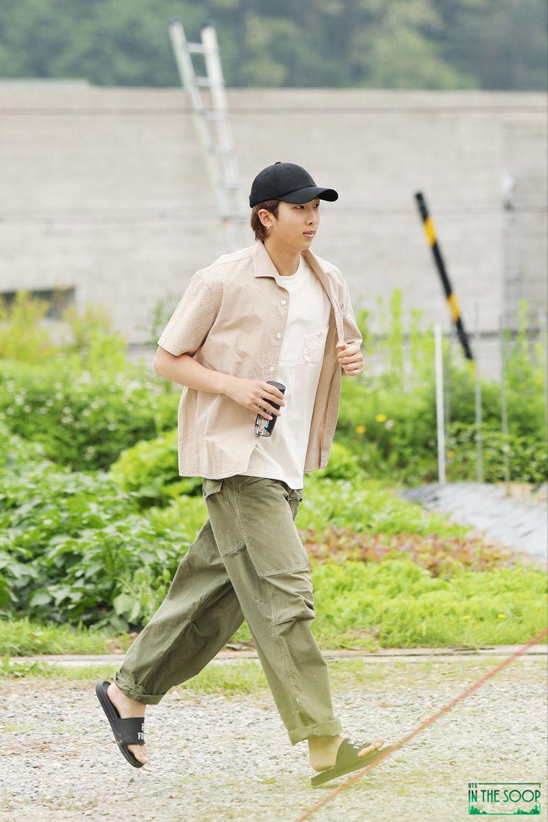 ᏴͲՏ ᏆΝ ͲᎻᎬ ՏϴϴᏢ🌲 (𝘣𝘦𝘩𝘪𝘯𝘥) in 2020 Kim namjoon, Namjoon, Kim