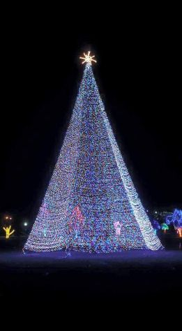Visit The Kiwanis Holiday Lights In Mankato, Minnesota Through The End Of  December!