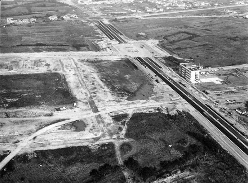 Le futur quartier de bellevue en 1965 boulevard winston for Construction piscine nantes