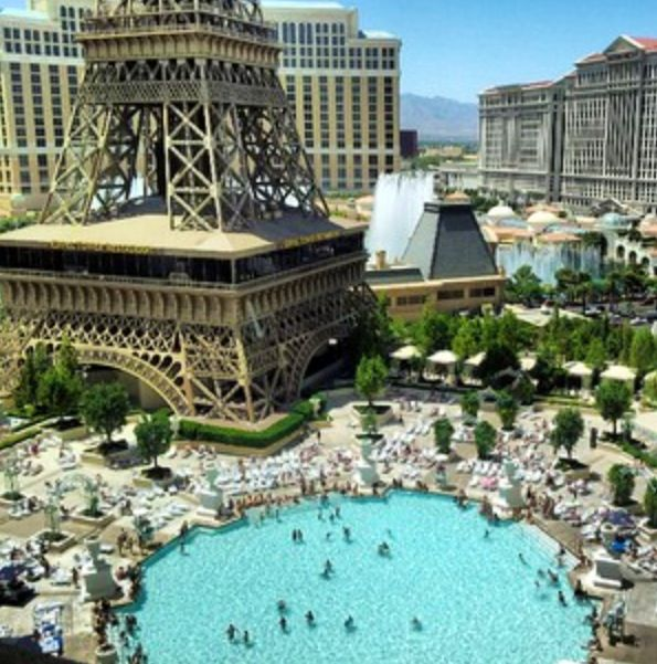 Pool time paris las vegas pool party season in vegas - Planet hollywood las vegas swimming pool ...
