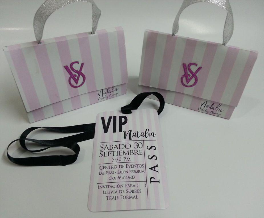 ed22a8a77aa5 Tarjeta de 15 estilo bolso Victoria Secret. in 2019