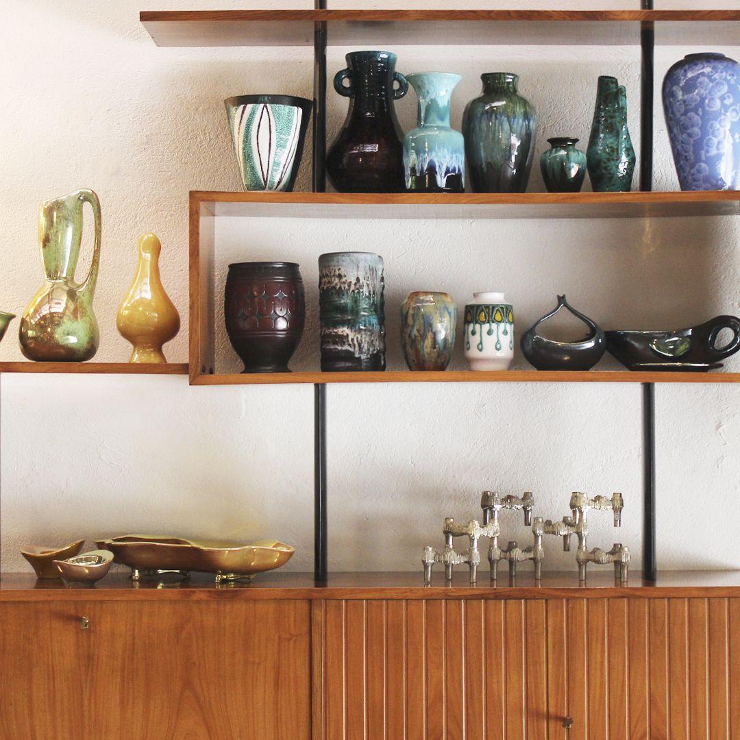 Objetos vintage em cerâmica.   Vintage ceramic objects. #lojateo #midcenturydesign #vintage #modernariato #designbrasileiro #braziliandesign #decoracao #decor #interiordesign #vasos #vasoemceramica #ceramics #vases