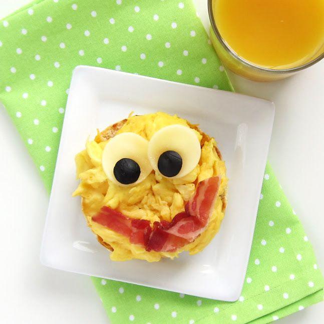 Back to School Breakfast – Smiley Face Egg Sandwich