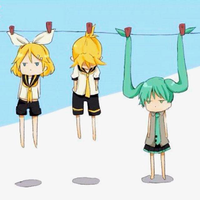 Ce qui est magique, c'est qu'on dirait que le serret-tête de Rin est collé a sa tête...c'est pas très clair, dit comme ça...